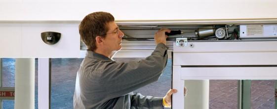 Монтаж и ремонт автоматических дверей