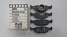 Задние оригинальные  Тормозные Колодки на BMW E30