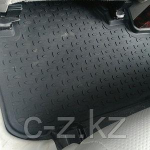 Резиновые коврики для Toyota Highlander III 2013-н.в.