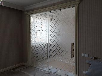 стеклянные раздвижные и распашные двери  2