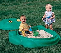 Песочница детская пластиковая с крышкой «Лягушка»
