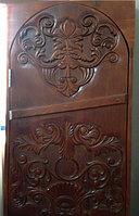 Дверь из массива кедра толщина 4см (полотно 180*70). Коробка, наличники. Резьба с одной стороны во всю дверь.
