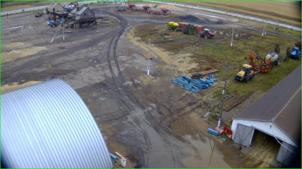 Изображение с IP-камеры Beward BD4330D, установленной на элеваторе.