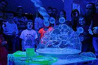 Шоу ультрафиолетовых пузырей в Павлодаре, фото 1