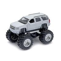 """1/34 Welly """"Big Wheels"""" Chevrolet Tahoe 2008"""