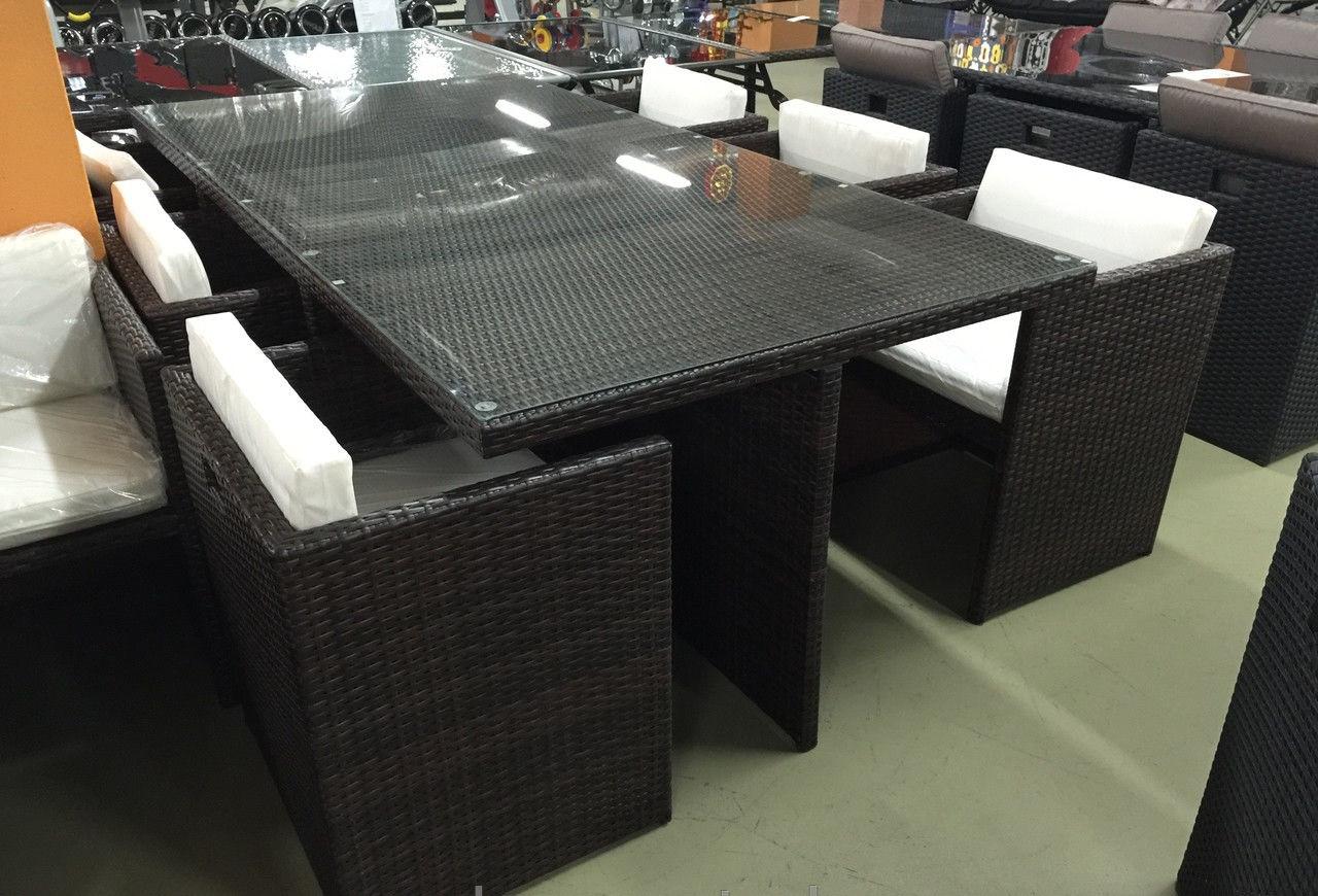 Комплект мебели (стол и 8 стульев)