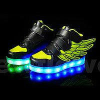 LED Кроссовки детские со светящейся подошвой высокие, черно-зеленые крылья
