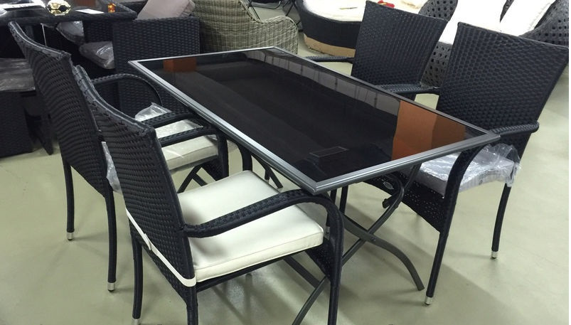 Комплект мебели (стол металлический с черным стеклом (складной) и 4 стула
