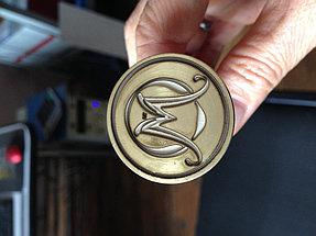 Нанесение гравировки на металлическую печать под сургуч 4