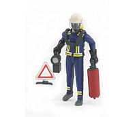 BRUDER  Фигурка пожарного 107мм с аксессуарами (лестница , фонарь и тд), фото 1