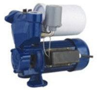Автомат. насос для чистой воды с периферийным колесом UNO