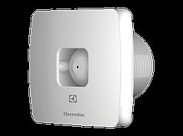 Бытовой вытяжной вентилятор Electrolux со встроенным датчиком влажности и регулируемым таймером EAF-100TH