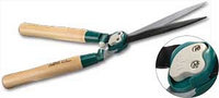 Кусторез RACO с волнообразными лезвиями и дубовыми ручками, 550мм