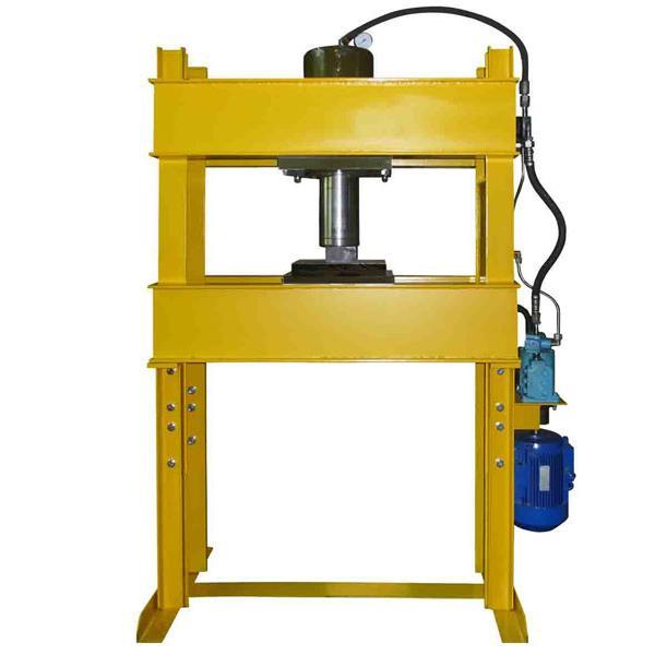 Пресс гаражный электрогидравлический 40 тонн, укомплектован лебедкой для поднятия и опускания стола Р-342М-Л