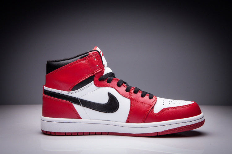 """Кожаные кроссовки Air Jordan 1 Retro """"Chicago Bulls"""" (36-47) - фото 4"""
