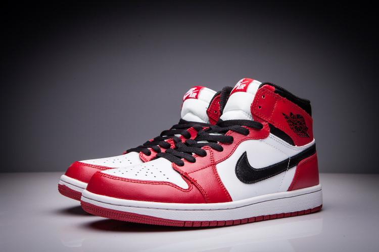 """Кожаные кроссовки Air Jordan 1 Retro """"Chicago Bulls"""" (36-47) - фото 3"""