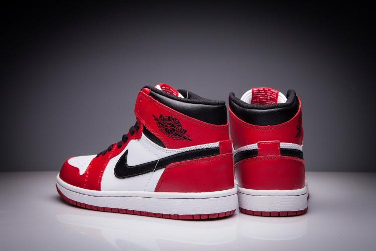 """Кожаные кроссовки Air Jordan 1 Retro """"Chicago Bulls"""" (36-47) - фото 5"""