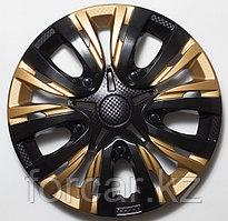 Колпак колесный 15 ЛИОН микс черно-золотой карбон (4 шт.)