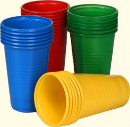 Стаканы, фужеры (одноразовые), держатели для стаканов