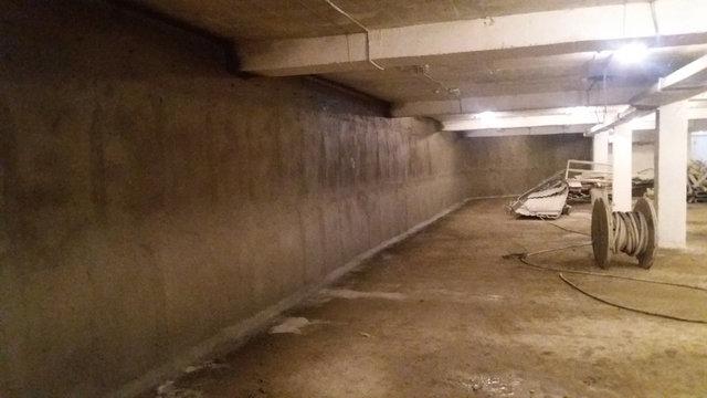 Так выглядит паркинг после выполнения работ по сплошной гидроизоляции стен ,материалами проникающего действия с бронирующим эффектом по площади 300м2.