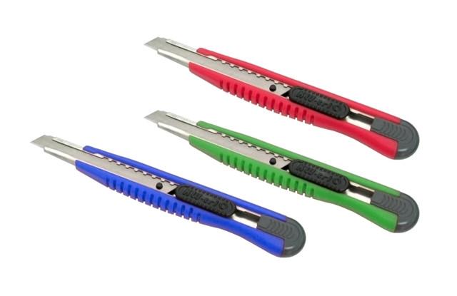 Нож канцелярский 14см, +2запас.лезвия, пластик KW-trio