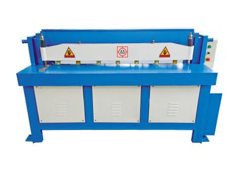 Гильотинные ножницы Q11-4*1300 электромеханические (Shengtai)