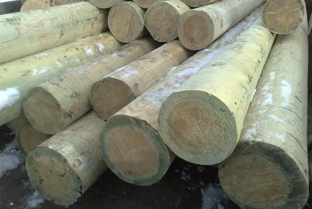 Опоры деревянные пропитанные. Новосибирск