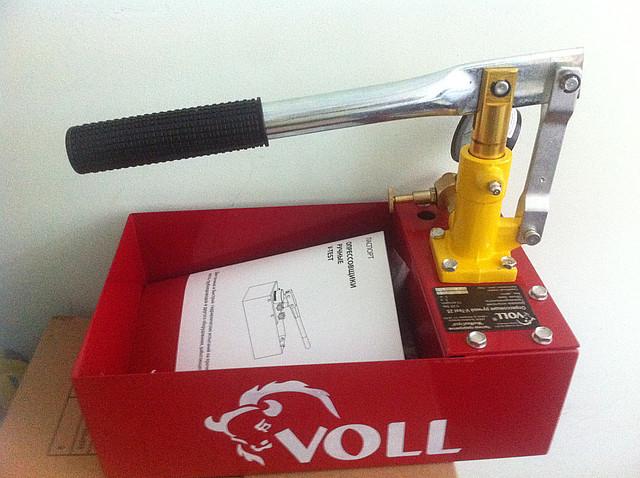 Ручной опрессовщик Voll - 25 бар