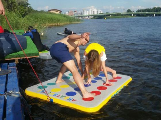 Акватвистер (надувной твистер для игры на воде)