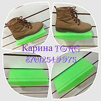 Полка обувная овальная зеленого цвета на эконом панель