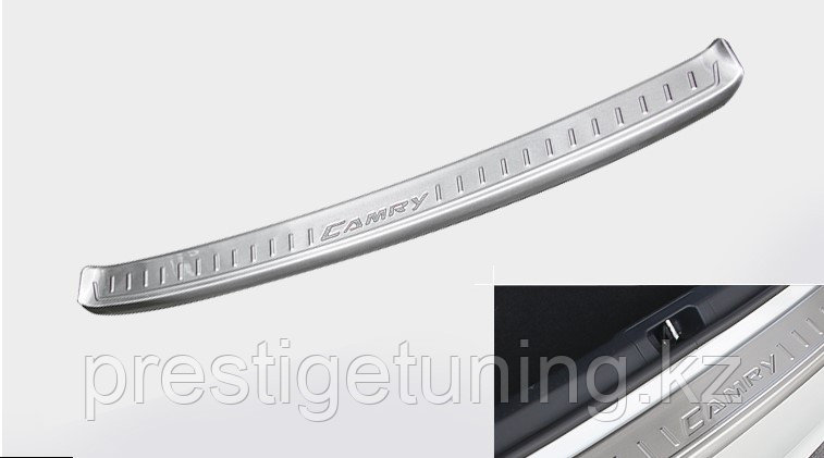 Хром накладка на задний бампер (вар.2) Camry V55