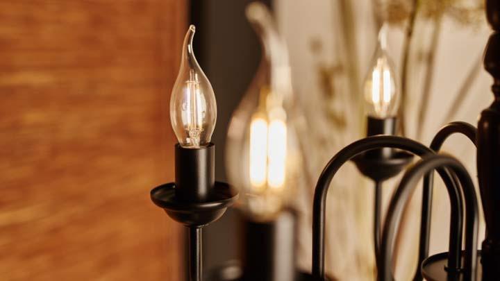 Филаментная лампа Philips LED Fila 2700k 2,3W «Свеча на ветру» - фото 2