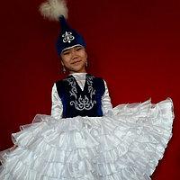 Детское платье и саукеле.