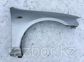 Крыло переднее правое Mazda Familia