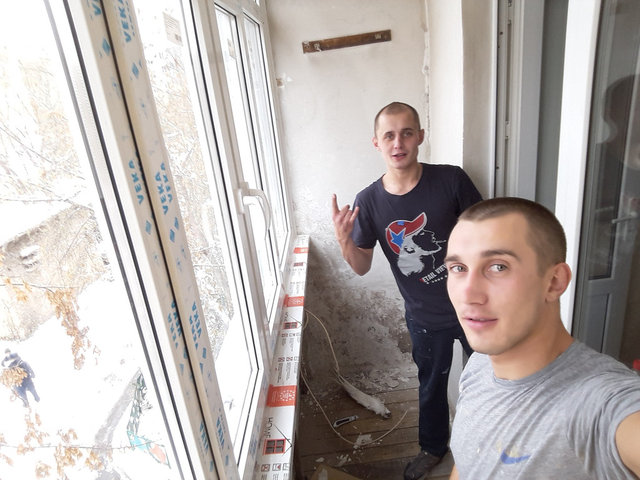 Наши специалисты Рашид и Валерий.