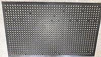 Коврик резиновый 150х90 с отверстиями