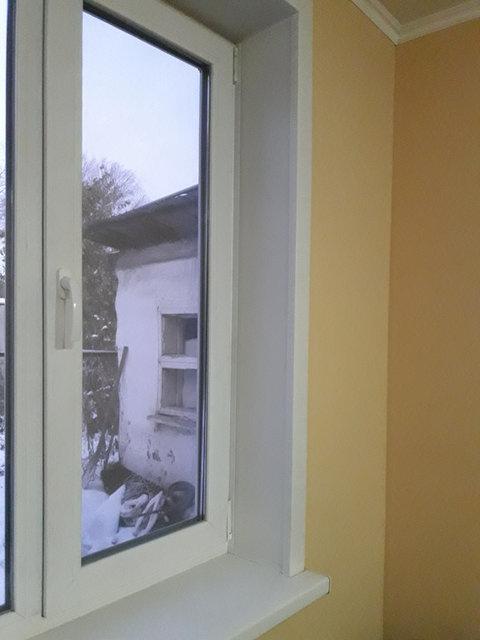 Монтаж подоконника, теплых стеклопакетов, ремонт окна