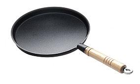 Сковорода чугунная блинная 240 мм с деревянной ручкой Luxstahl [HE96]