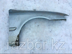 Крыло переднее правое Mazda Capella/626