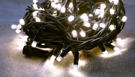 Гирлянда светодиодная НИТЬ с повышенной степенью защиты, 10 м., теплый, провод черный