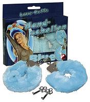 Наручники с мехом для безобидных взрослых игр (голубой цвет)