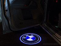 Лазерная проекция логотипа автомобиля под двери, фото 1