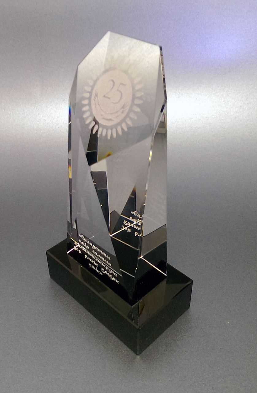 Награда хрусталь с гравировкой ТОМБСТОУН