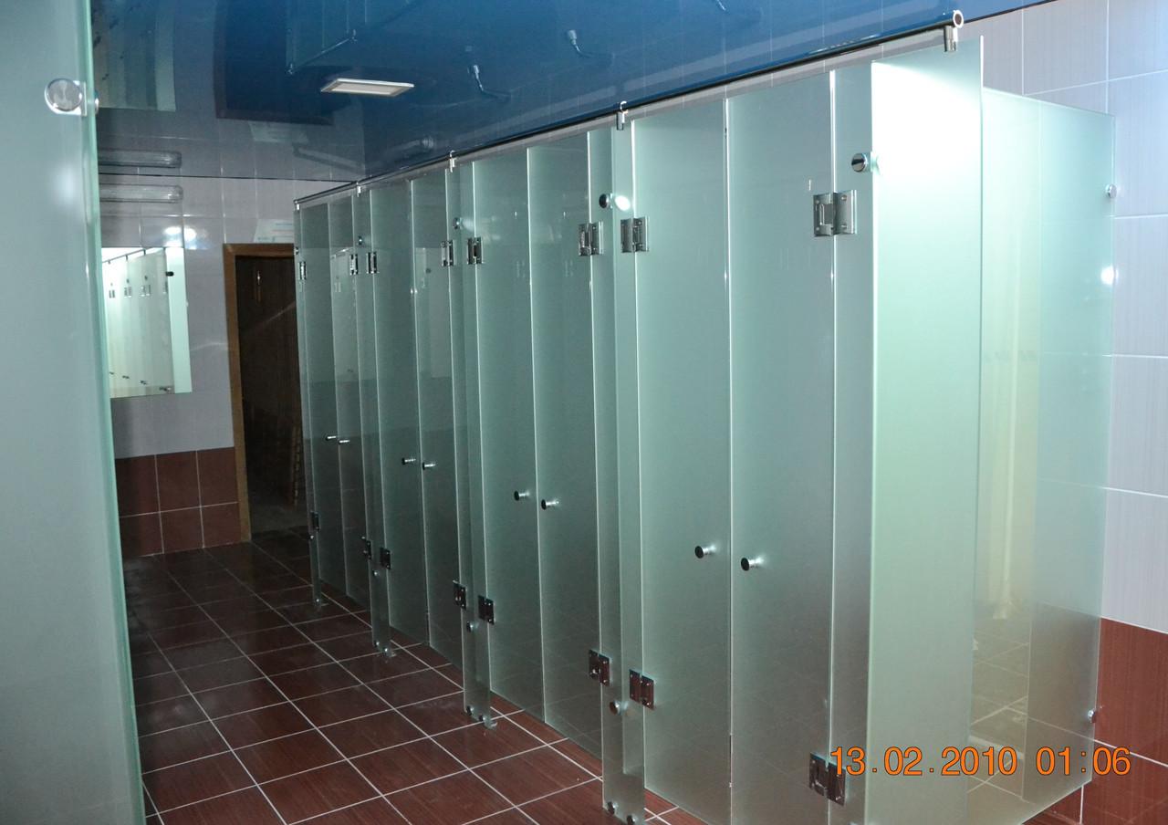 Изготовление стеклянных перегородок для душевых кабин в фитнес-центрах и саун