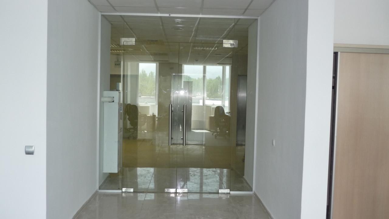 Двери стеклянные для офисов