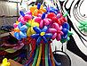 Разноцветные цветочки из шаров на 8 марта