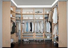 Встраиваемая мебель на заказ, гардеробные комнаты