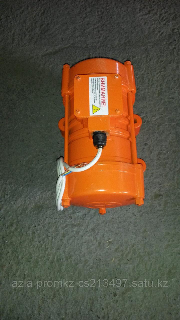Вибратор площадочный ИВ-99 (220В)