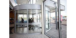 Револьверные трехлопастные вращающиеся двери Besam RD3L - Швеция