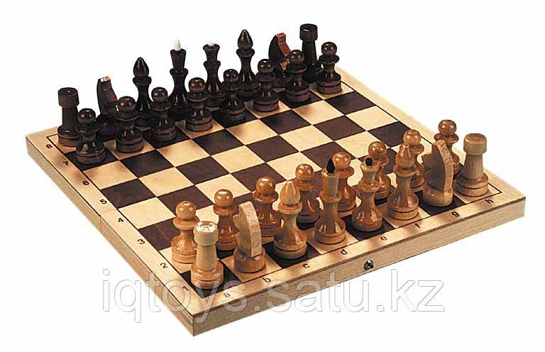 Шахматы деревянные ОБИХОДНЫЕ ЛАКИРОВАННЫЕ в комплекте с доской